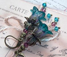 Lucite Earrings Flower Earrings Victorian by EnglishVintageDesign