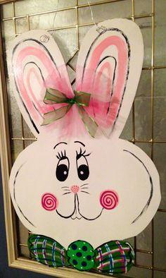 Door Hanger Template Ideas for Hotels, Marketing and Advertising Wooden Door Hangers, Wooden Doors, Easter Projects, Easter Crafts, Hoppy Easter, Easter Bunny, Easter Paintings, Door Hanger Template, Wooden Rabbit