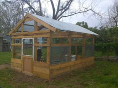 Build a greenhouse from crates, pallets or probably any scrap lumber you can scrounge. Diy Greenhouse Plans, Outdoor Greenhouse, Build A Greenhouse, Outdoor Gardens, Greenhouse Wedding, Old Pallets, Pallets Garden, Pallet Gardening, Gardening Tips