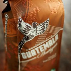 Guatemala, yüksek kaliteli kahve çekirdekleri ile bilinen ülkelerden birisi. Bunlardan en önde gelenleri Coban, Huehuetenango, Atitlan ve tabiki Antigua. Starbucks Guatemala Antigua kahve çekirdeğimiz de bu muhteşem yöreden gelmekte.