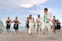 A very playful wedding party | So Many Moments #beach