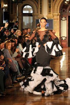 Traje de Flamenca - Certamen-de-Disenadores-Noveles-de-la-Provincia - We-love-flamenco-2014-