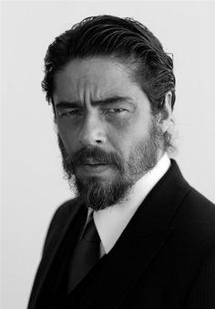 #BenicioDelToro -- #BlackTie                                                                                                                                                                                 Plus