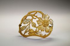 French hair slide, painted horn, flower design, early 1900s | The Creative Museum