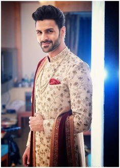 Divyanka Tripathi and Vivek Dahiya's Rang Dey Wedding Is Weaved of Dreams - Eventznu.com