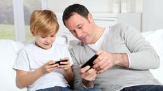 """Los hijos necesitan más del amor y seguridad al lado de sus padres que un aparato caro o un par de zapatos de """"marca"""". Danos like en Facebook: https://www.facebook.com/valoresparatodalavida"""