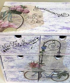 Resultado de imagen para decoupage o tecnicas en madera cajas o latas de galletitas