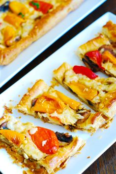 Mini puff pastry pizzas with bell peppers, mushrooms, and Mozzarella cheese.  Easy-to-make last minute appetizers! JuliasAlbum.com   savory vegetarian recipes, party food