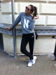 Bildergebnis für sweatpants outfit