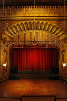 Google Image Result for http://www.movingimagearchivenews.org/wp-content/gallery/fox-oakland/fox-proscenium-credit-randall-michelson.jpg