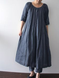 Matilda dress by Lisette Note: Worn over jeans in this photo. Pretty Outfits, Beautiful Outfits, Dress Skirt, Dress Up, Smock Dress, Tunic, Schneider, Linen Dresses, Mode Inspiration