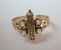 vintage diamonds and pearls. Adore, so unique. If I ever have jewelry money, I will buy antique jewelry with history and personality. Antique Rings, Or Antique, Antique Jewelry, Vintage Jewelry, Jewelry Rings, Jewelery, Jewelry Accessories, Jewelry Design, Edwardian Jewelry