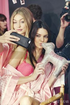 Gigi Hadid poses with Kendall Jenner backstage at the 2015 Victoria's Secret Fashion Show
