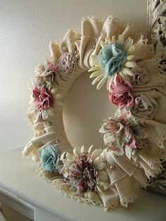 Tea Rose Home: Tutorial ~Eclectic Flower Bouquet Wreath~ (has a lovely Shabby Chic look, everything's simply pinned into place! Wreath Crafts, Diy Wreath, Burlap Wreath, Felt Wreath, Door Wreaths, Shabby Chic Kranz, Shabby Chic Crafts, Handmade Flowers, Diy Flowers