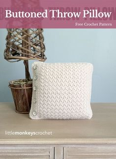 Buttoned Throw Pillow | Free Crochet Pattern from Little Monkeys Crochet (www.littlemonkeyscrochet.com)