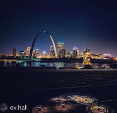 #Repost @ev.hall  #saintlouis #skyline with a little foreground because I liked the walkway lights #city #cityscape #archcity #gatewayarch #arch #skyscrapers #night #STL #lovemycity #Nikon #nikonphotography