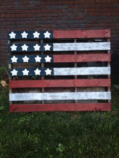 Wood Pallet American Flag - red white & blue for July 4th...Love this   !!!