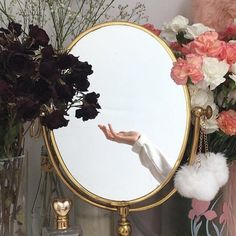 flowers, mirror, and aesthetic image Studio Musical, Photo Images, Look In The Mirror, Aesthetic Photo, Aphrodite, Belle Photo, Ethereal, Sailor Moon, Photos