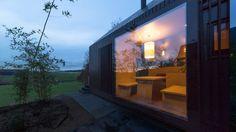 Modern Design: German Resort Cottages by Format Elf Architekten Unique Hotels, Window Film, Cottage Design, Construction, Little Houses, Signs, Black House, Decoration, Architecture Design