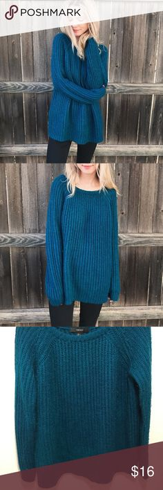 Dark Teal Knit Sweater Cozy forever 21 sweater in a really pretty dark teal color! True to size large, but also looks cute wearing oversized! Forever 21 Sweaters Crew & Scoop Necks