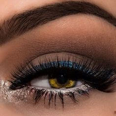Give your eye makeup a flair of glitters to channel the fireworks that 4th of July brings. See the shimmery secrets this look holds.