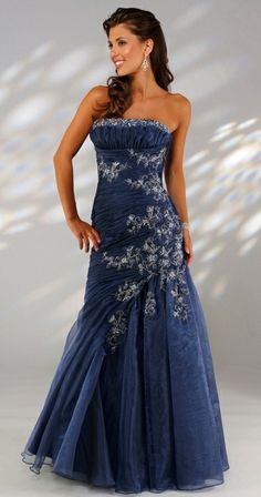 Glamourous navy blue organza evening  gown