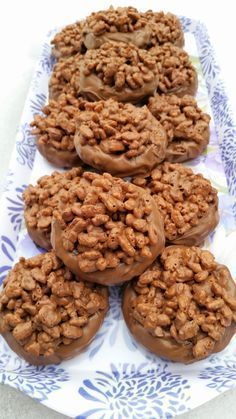 Den här kakan tar sig lätt in på m Cookie Desserts, Cookie Recipes, Dessert Recipes, Bagan, Best Cookies Ever, Yummy Food, Tasty, My Dessert, Piece Of Cakes