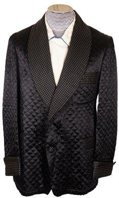 Sharp 50s smoking jacket in black quilted satin.