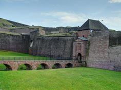 Fortifications et Porte de Brisach - Citadelle de Belfort, Territoire de Belfort…