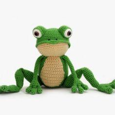 Fritz the Frog amigurumi pattern by YukiYarn Designs
