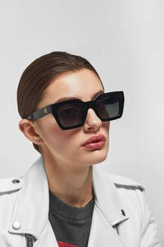 6c137e36f Featuring an oversized square frame and sleek black hue, these Indio  sunnies channel vintage glamour
