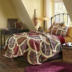 Shellwick Oversized Quilt and Sham from Through the Country Door®.check out this website to look at this quilt in detail.it's gorgeous! Clamshell Quilt, Modern Farmhouse Bedroom, Bedroom Bed, Master Bedroom, Bedrooms, Bed Throws, Bed Spreads, Home Furnishings, Home Goods