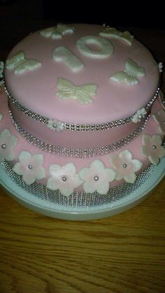 Diamond and bling bling birthday cake for a 10 year old girl!