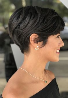 Short Hairstyles For Thick Hair, Short Pixie Haircuts, Different Hairstyles, Pixie Hairstyles, Bob Haircuts, Trending Hairstyles, Cropped Hairstyles, Short Pixie Bob, Shaggy Pixie