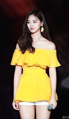 Twice pics ( Nayeon, Kpop Girl Groups, Kpop Girls, Extended Play, Tzuyu Body, Chou Tzu Yu, Tzuyu Twice, Dahyun, Bikini