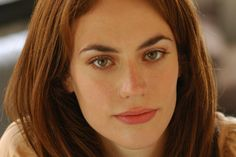 maggie siff Maggie Siff, Hair, Strengthen Hair