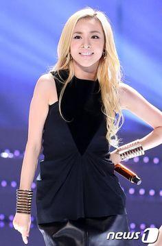 Press Pictures of Absolutely Gorgeous, Dazzling Sandara Park at KBS Korea Broadcast Awards 2ne1 Minzy, 2ne1 Dara, Pop Fashion, Asian Fashion, Sandara 2ne1, Korean Celebrities, Celebs, Korean Girl, Asian Girl