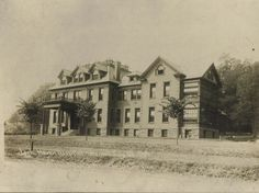 This is a picture of the Lock Haven Hospital in 1908 before the fire.