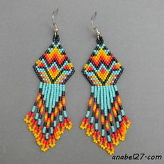 Native American inspired seed bead earrings by just beautiful. Beaded Earrings Patterns, Seed Bead Patterns, Beading Patterns, Indian Beadwork, Native American Beadwork, Seed Bead Jewelry, Seed Bead Earrings, Seed Beads, Fringe Earrings