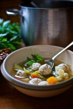 Sopa de verduras con albóndigas de pollo de Pepekitchen, para el blog 'A tu Gusto' de superSol. La mejor gastronomía :)