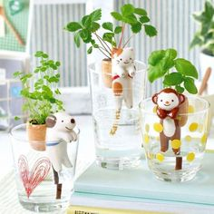 Grow your own plant with the help of a friendly pet. Our adorable Shippon Self-Watering Animal Planters have a fabric tail that soaks water up and Clover Plant, Clever Animals, Garden Hammock, Hammock Chair, Indoor Garden, Grands Pots, Basil Plant, Apollo Box, Strawberry Plants