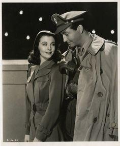Vivien Leigh and Robert Taylor.  Publicity still from WATERLOO BRIDGE (1940).  Love that film.
