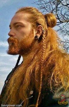 BaviPower is now presenting some awesome Viking beard styles in this Part 2 of Viking Beard Tips and Styles. We hope our recommendations will help you finish your Viking look. Pick your favorite beard styles and try it now. Long Face Hairstyles, Popular Hairstyles, Men's Hairstyles, Braided Hairstyles, Viking Hairstyles, Hairstyle Braid, Female Hairstyles, Men's Haircuts, Hair And Beard Styles