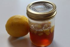A Homemade Organic Lemon Cough Syrup This is the easiest and best no side effects cough syrup ever! Organic lemon c. Honey Wrap, Natural Remedies For Arthritis, Acne Treatment, Mole Removal, Chest Congestion, Congestion Relief, Cough Syrup, Junk Food, Loosing Weight
