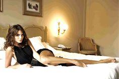 Nina Senicar's Feet << wikiFeet