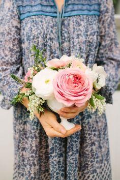 Pretty florals: http://www.stylemepretty.com/living/2015/06/30/mimosas-mumus-manicures-a-bohemian-brunch/ | Photography: Joie Lala -  http://www.joielala.com/