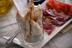 Minibocadillos de bastón con ibérico. Receta: The Spanish Food. Riquísima y saludable, pero no apta para hipertensos por su elevado contenido en sal