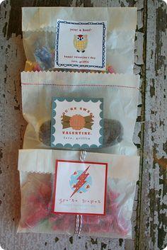 Cute DIY valentine bags/halloween treat/favor bags