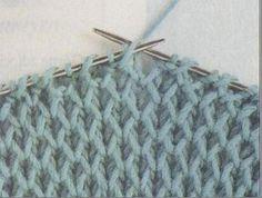 Dziana Moda: Duży sweter otulakLiczba oczek parzysta.  Rz.1 - oczka prawe  Rz.2 - 1 o. brzeg., *1 o. prawe, 1 narzut, 1 o. przełożone bez przerabiania - nitka z tyłu*, 1 o. brzeg.  Rz.3 - 1 o. brzeg., *1 o. prawe, narzut przełożyć bez przerabiania na prawy drut - nitka z tyłu, 1 o. prawe*, 1 o. brzeg.  Rz.4 - 1 o. brzeg., *nitkę przełożyć do przodu, 1 narzut, 1 o. przełożone bez przerabiania, przerobić  kolejne oczko na prawo razem z narzutem z poprzedniego rzędu*, 1 o. brzeg.  Rz.5 - 1 o. Knitwear, Diy And Crafts, Tote Bag, Knitting, My Style, Crochet, Womens Fashion, Handmade, Inspiration