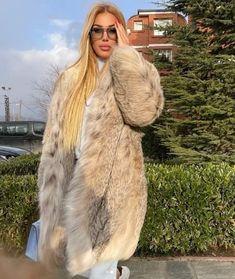 Fur Fashion, Womens Fashion, Lynx, Fur Coats, Faux Fur, Furs, Long Hair Styles, How To Wear, Jackets